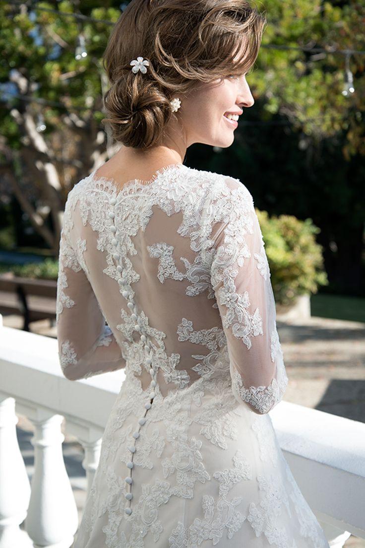 Brautkleid Mit Verlängerter Taille Und Ärmeln Von Venus A