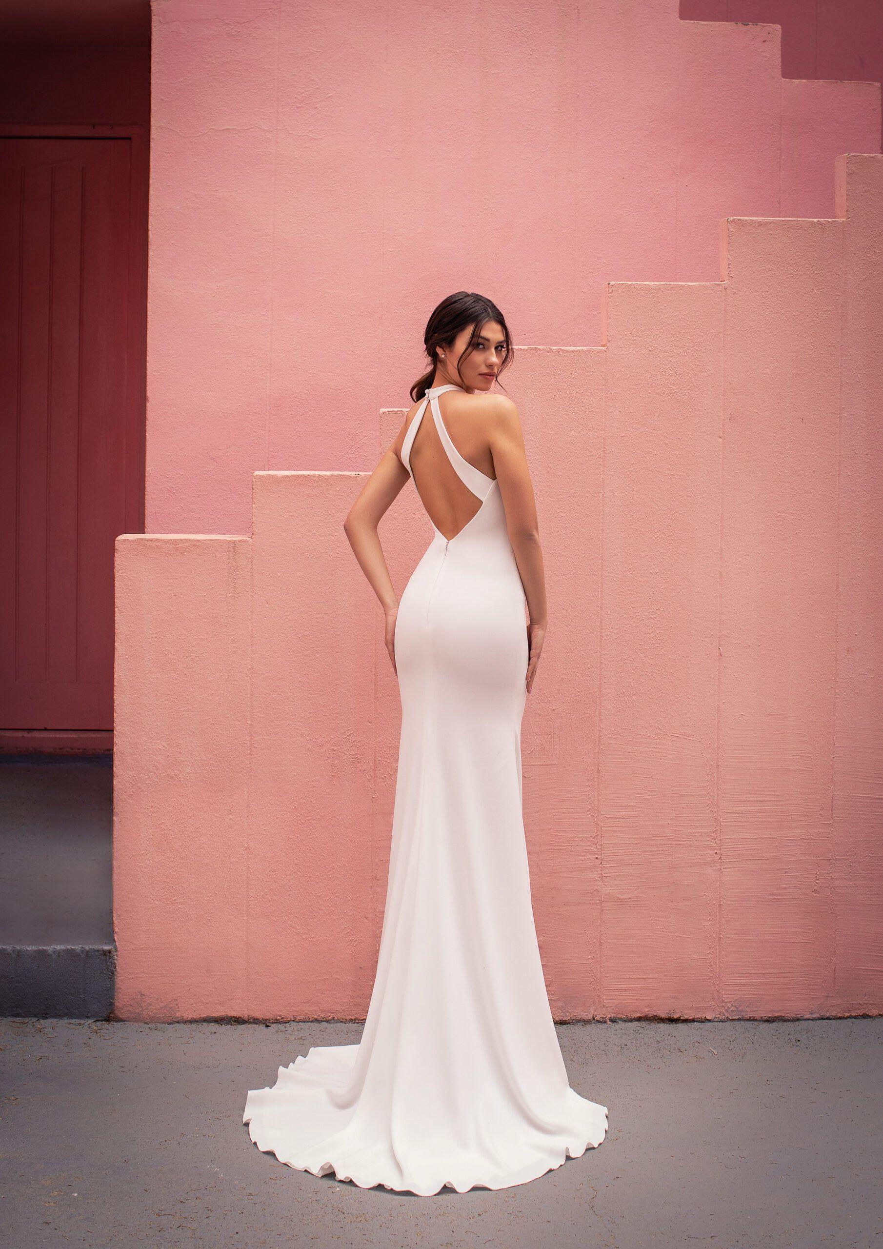 Brautkleid Schlicht Und Rückenfrei  Brautkleid Schlicht