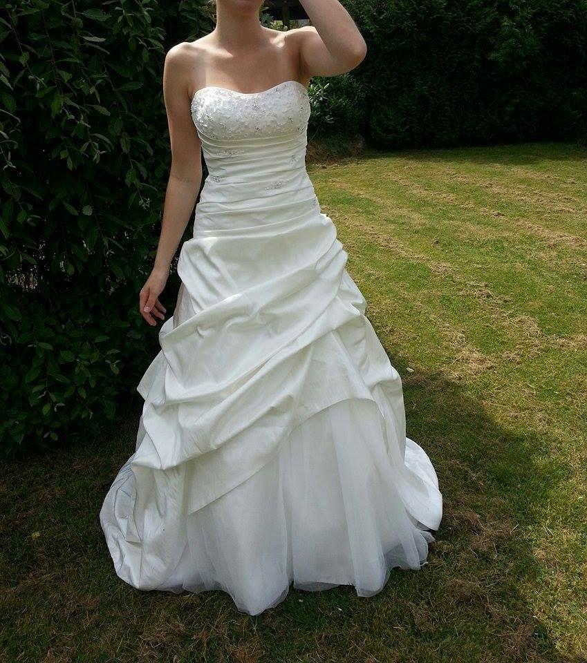Brautkleid Von Lilly Brautmoden ♥ Ansehen Http//Www