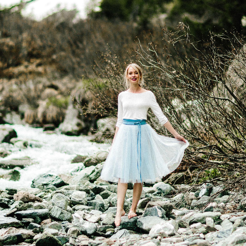 Brautkleid Zoe  Standesamt Outfit Mit Braut Pullover Und