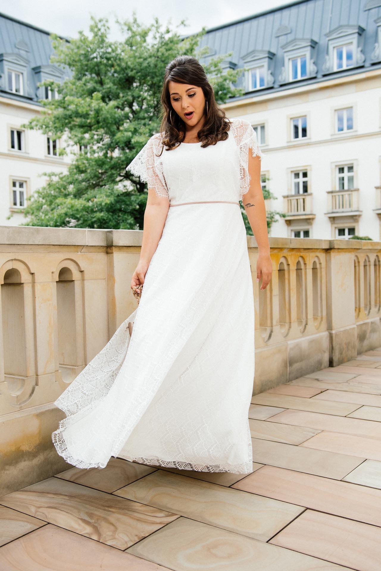 Brautkleider Große Größen  Moderne Hochzeitskleider In 48
