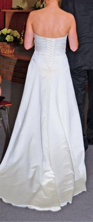 Brautkleider Günstig Kaufen  Second Hand  Mädchenflohmarkt