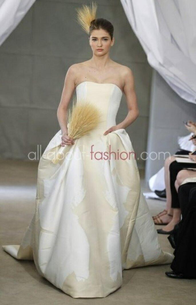 Brautkleider In Den Farben Creme Und Champagner Für Eine