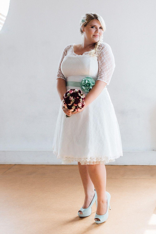 Brautkleider In Großen Größen Für Plus Size Bräute  Plus