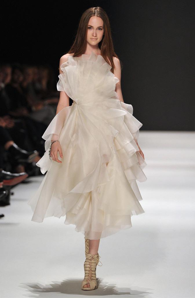 Brautkleider Kaviar Gauche  Moderne Hochzeitskleider