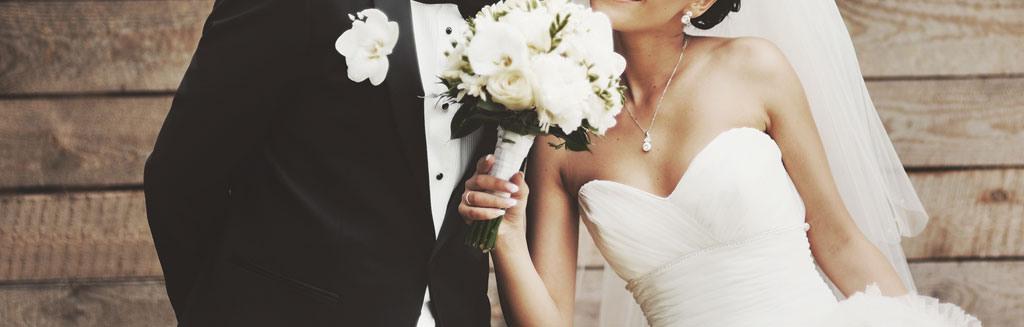 Brautkleider  Professionelle Und Schonende Reinigung