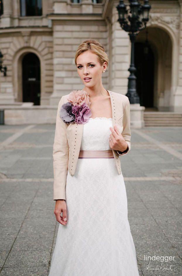 Brautkleider Von Küssdiebraut  Model Vio  Hochzeitskleid
