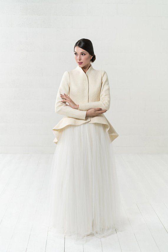 Brautmantel  Warmer Eleganter Brautfilzmantel  Weiße