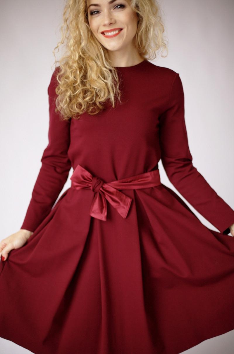 Burgundes Knielange Kleid Burgundes Kleid Mit Ärmeln