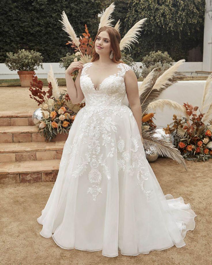Curvy Princess In 2020  Kleid Hochzeit Hochzeitskleid
