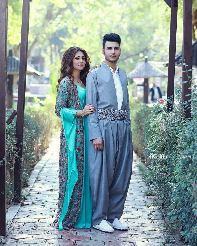 زۆر جوانە  Kurdische Kleider Modestil Kleider  Abendkleid