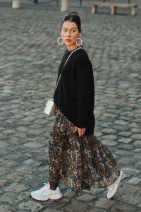 Das Blumenkleid Blumenkleid In 2020  Kleid Mit