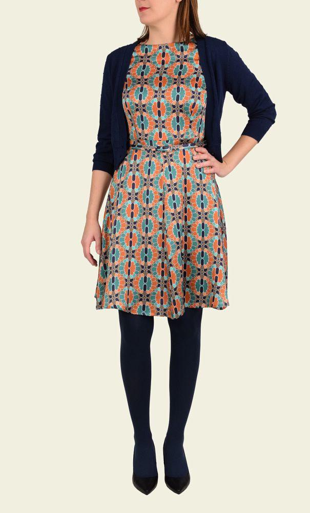 Das Prachtvolle Kleid Aus Seide Wird Zum Juwel In Ihrem