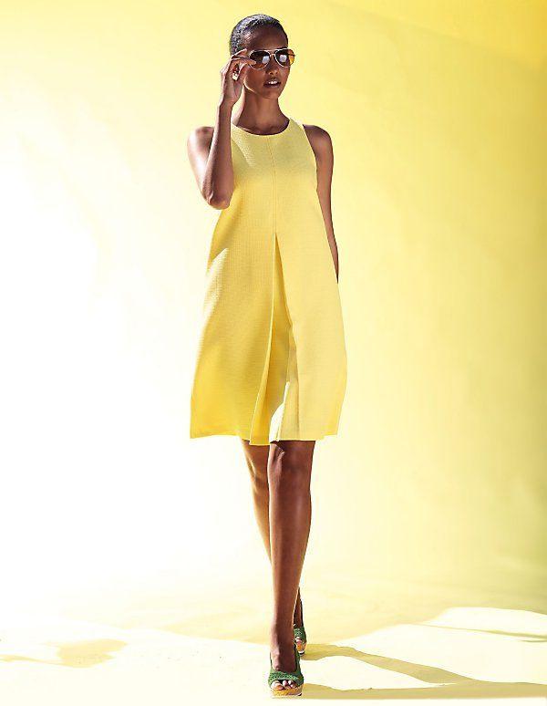 Das Sommerkleid In Der Trendfarbe Gelb Zaubert Durch Seine