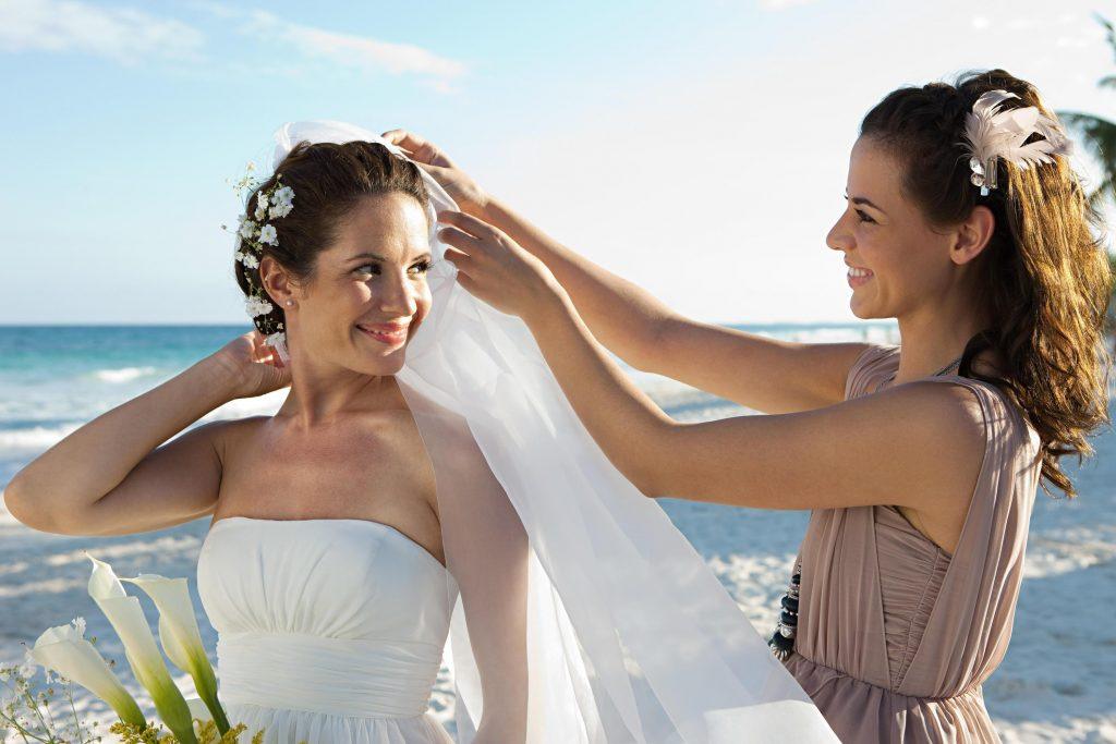 Die Hochzeit Steht An Das Passende Outfit Als Trauzeugin