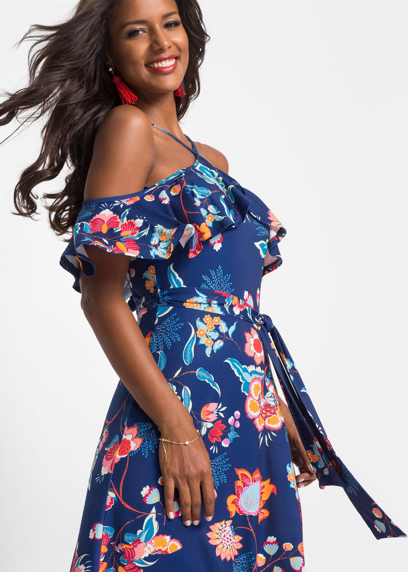 Dieses Stilvolle Maxikleid Bringt Jede Frau Zum Strahlen Das Oberteil Ist Körperbetont
