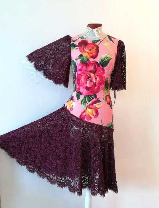Dolce  Gabbana  Mittellanges Kleid Mit Spitzenverzierung
