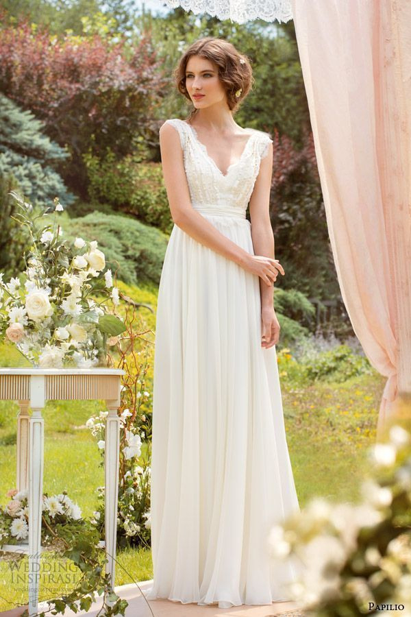 ドレスの柔らかい雰囲気のように空気感のあるアップスタイル小花を散らしたい♡ 〜エンパイアドレスに似合う髪型 アップ