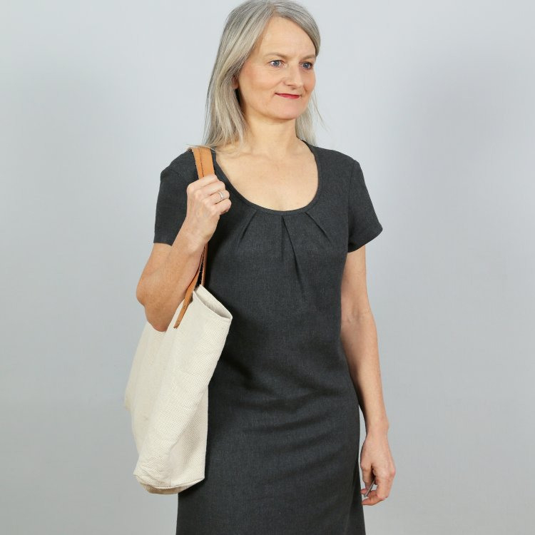 Ebook Studio Schnittreif Frau Ameland  Faltenkleid Damen