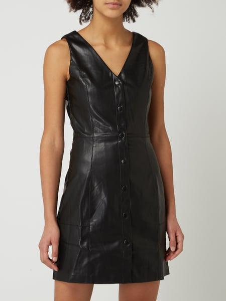 Edited Kleid In Lederoptik Modell 'Iver' In Grau