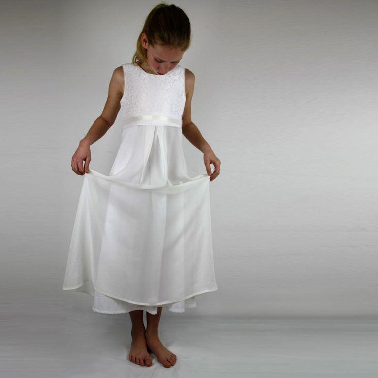 Ein Barockes Mädchenkleid  Kommunion Kleider Kommunion