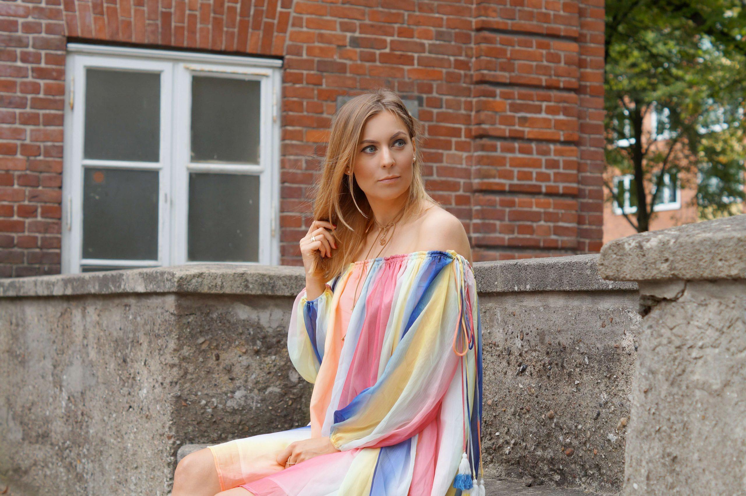 Ein Letzter Sommerlook  Das Regenbogenkleid  Tantedine