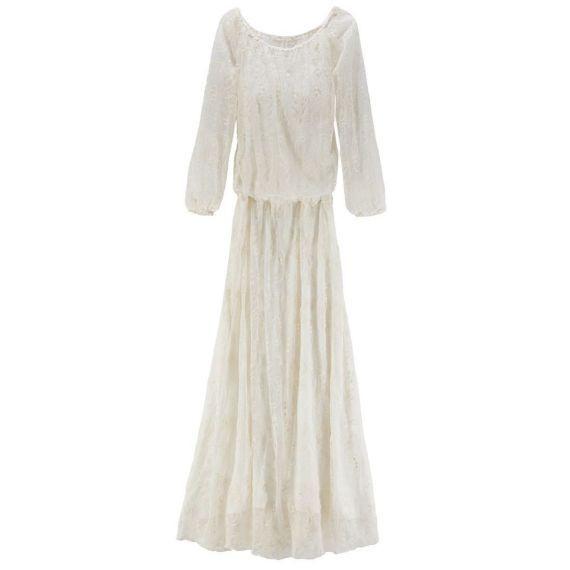 Ein Traum Aus Weißer Spitze Das Kleid Für Eine Hochzeit