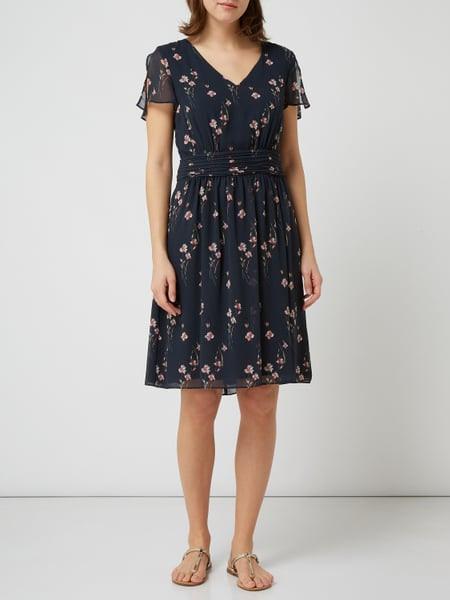 Elegantes Esprit Kleid Blau Mit Punkten Fotos  Bilder Und