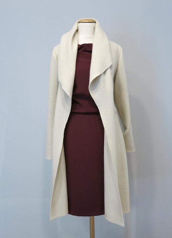 Elegantes Kleid Mit Mantel
