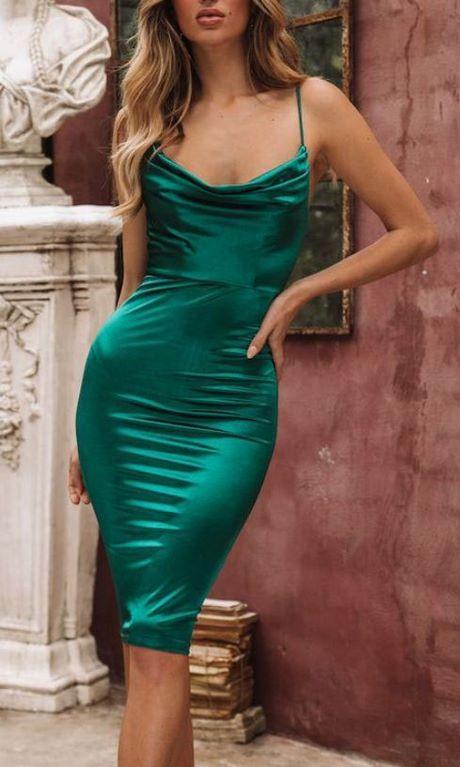 Enges Grünes Kleid