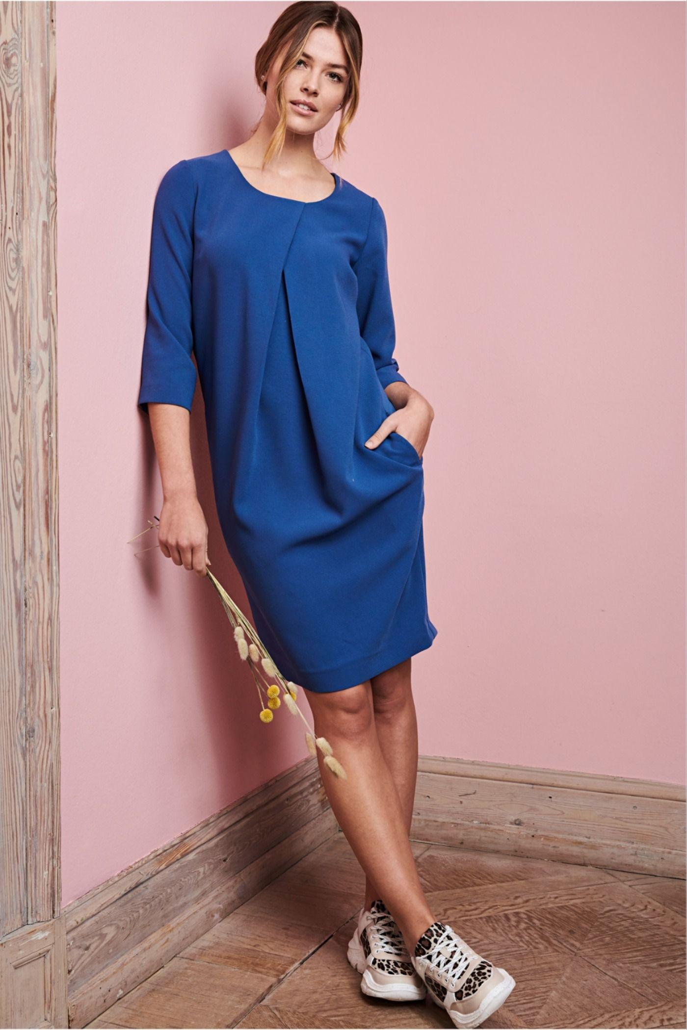 Etuikleid In 2020  Etuikleid Kleider Modestil