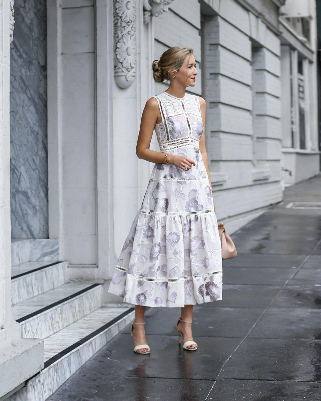Everything Feminine  Sommerkleid Modestil Tageskleider