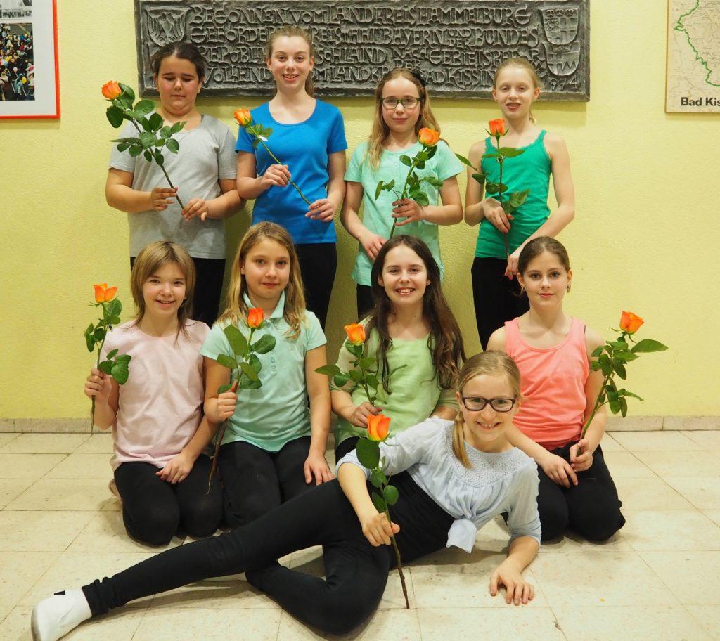 Fair Gehandelte Rosen Für Die Jungen Tänzerinnen
