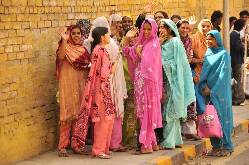 Färgrika Och Lyckliga Kvinnor Indien Och Pakistan