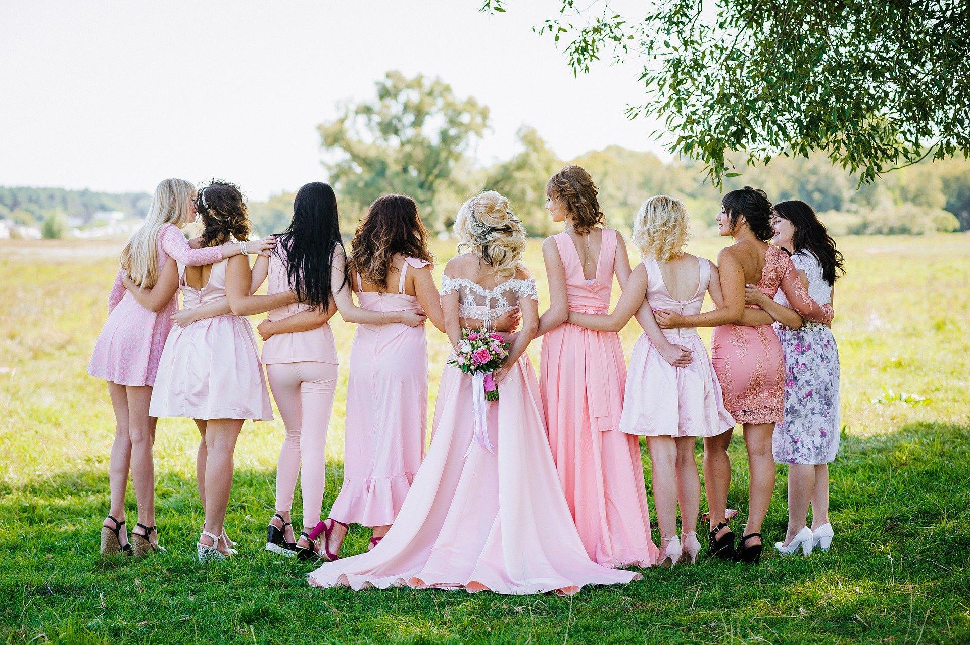 Festliche Kleider Zur Hochzeit Damen Aufgepasst