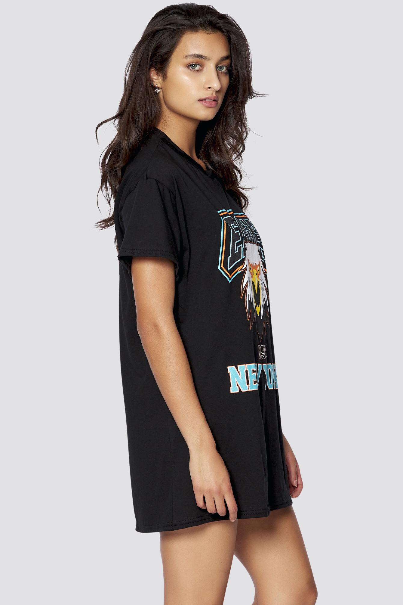 Freshlionstshirtkleid Mit Aufdruck In Schwarz