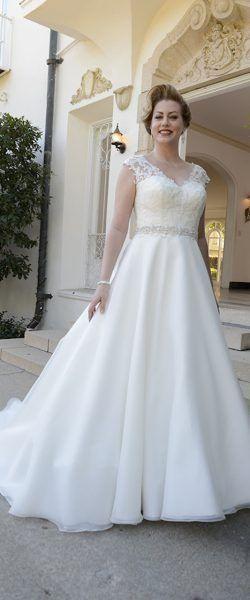 Gefunden Bei Happy Brautmoden Brautkleid Brautklei