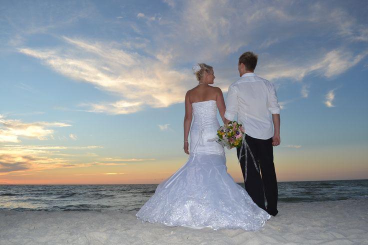 Gemeinsam Durchs Leben Gehen  Kleid Hochzeit Heiraten