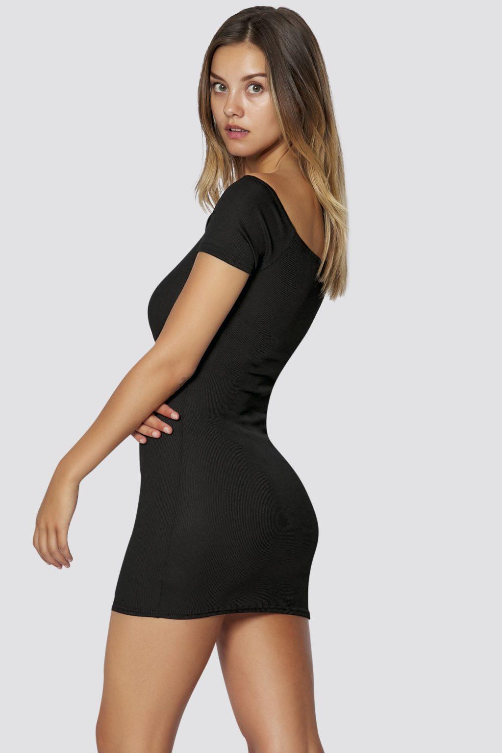 Geripptes Schulterfreies Kleid In Schwarz Sommer Kleid
