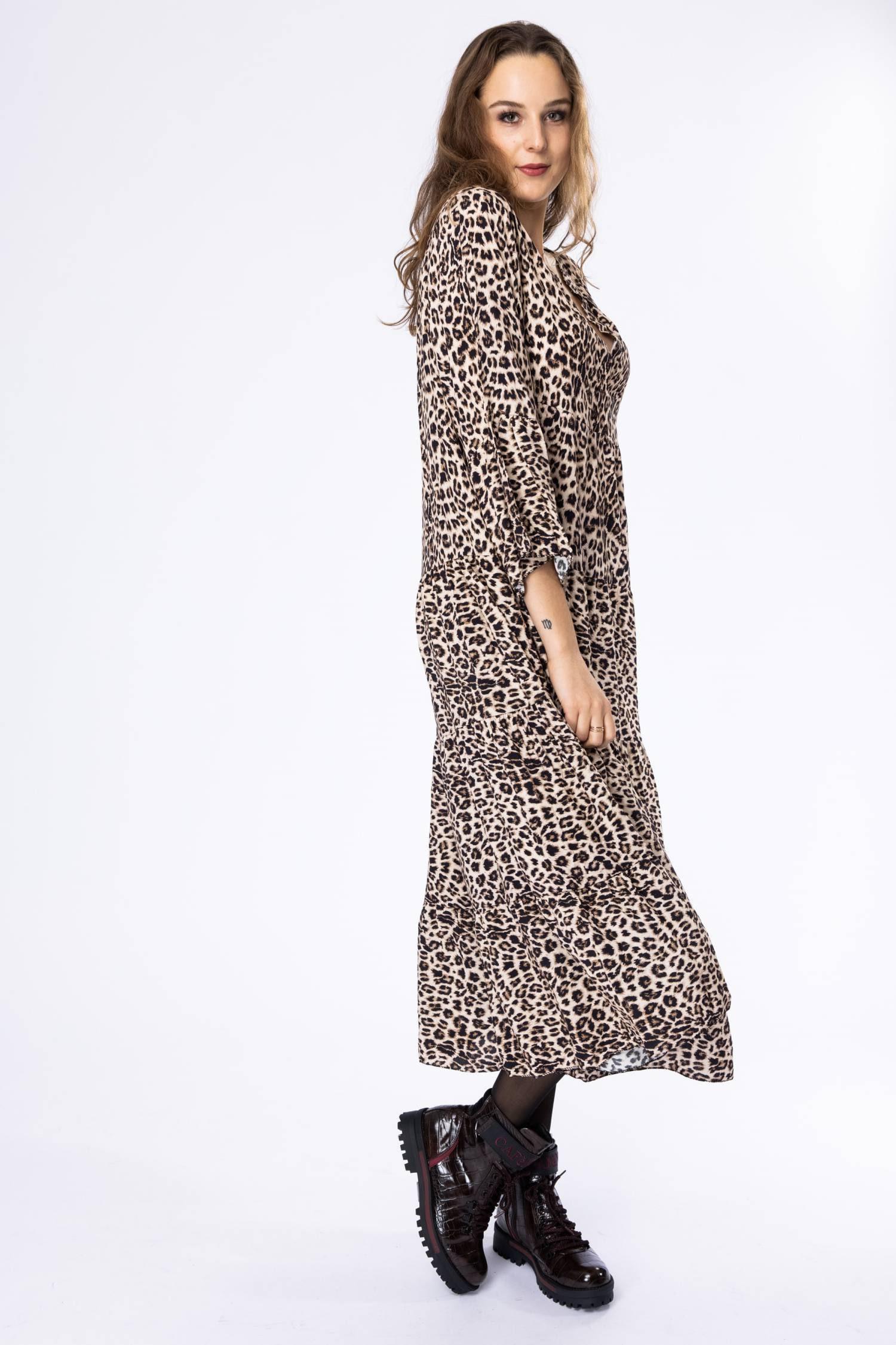 Gestuftes Maxi Kleid Im Zarten Leoprint  La Strada