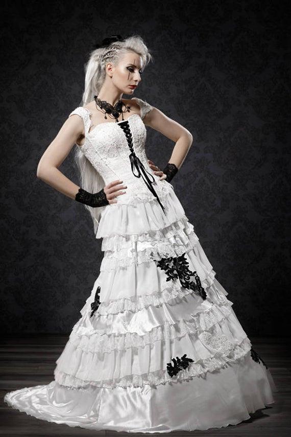 Gothic Barock Hochzeitskleid
