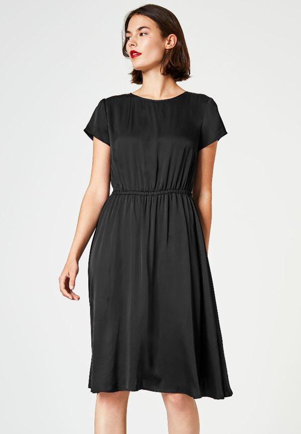 Hallhuber Kleid Aus Seidenchiffon  Schöne Kleider Dieser