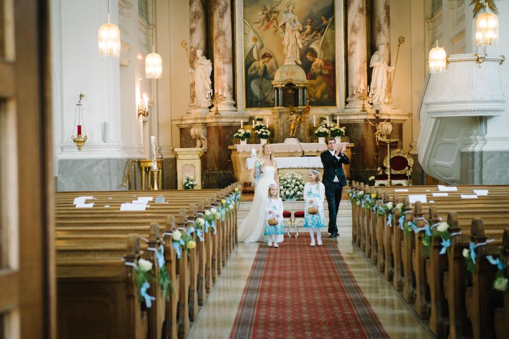 Heiraten In Wien Kirchliche Trauung  Hochzeit Kirche