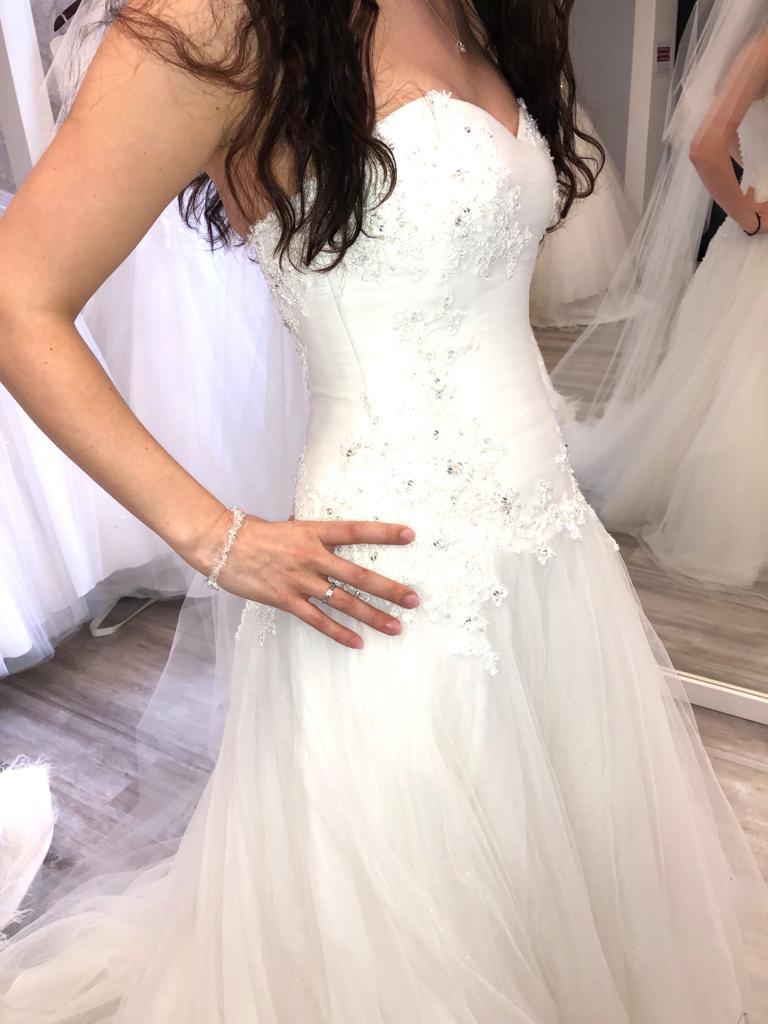 Heißer Rabatt Weiß Eine Linie Lange Hochzeit Kleider