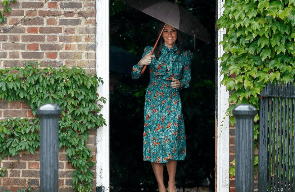 Herzogin Kate Setzt Den Kleidertrend Fürs Frühjahr