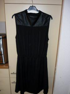 Hm  Schickes Schwarzes Kleid Mit Bubikragen Und