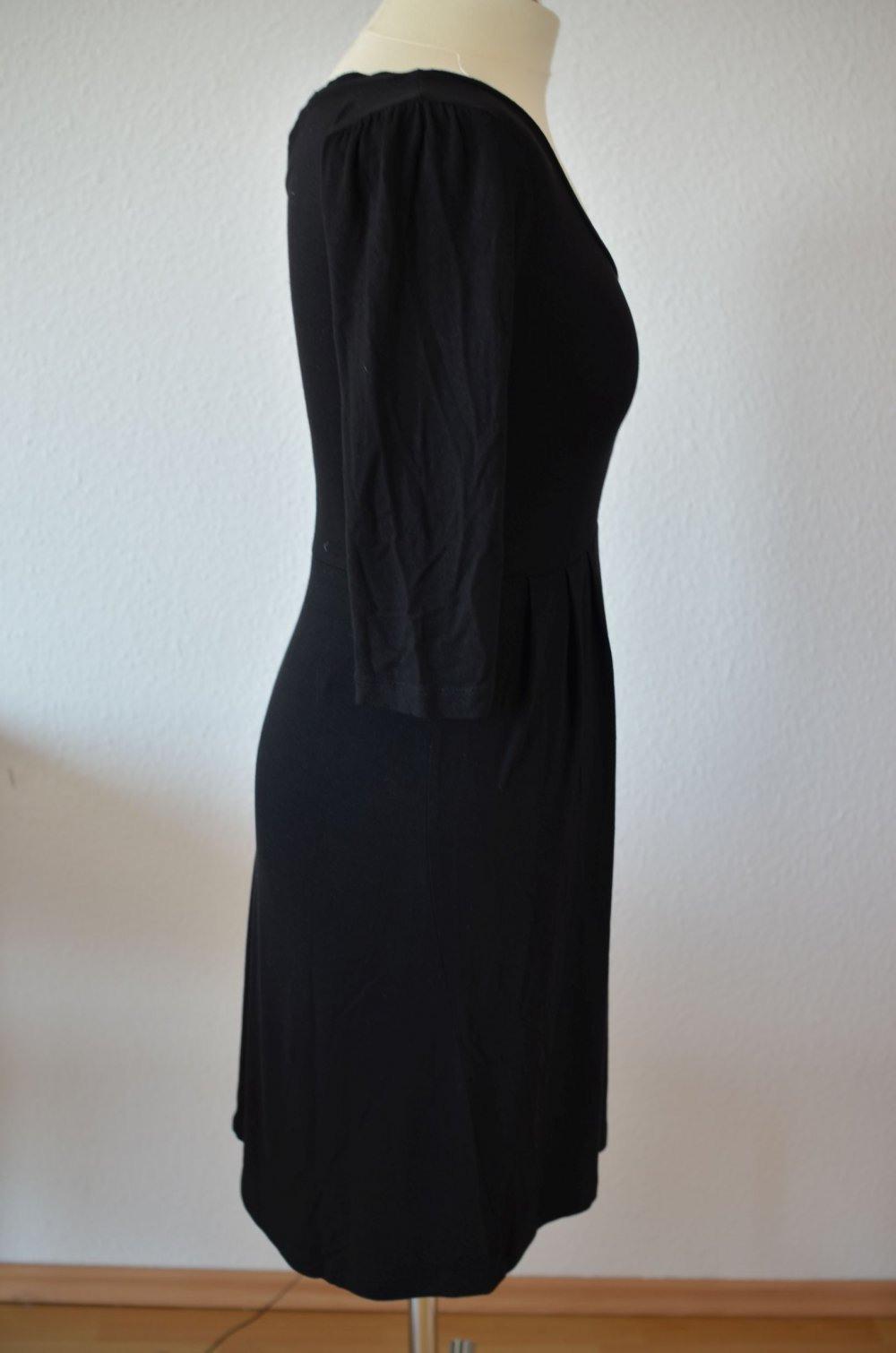 Hm  Schwarzes Basickleid Jerseykleid Tailliert