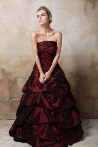 Hochzeitskleid Bordeaux In 2020 Mit Bildern