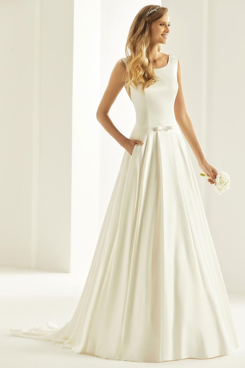 Hochzeitskleid Brautkleid Cassandra Alinie Ivory