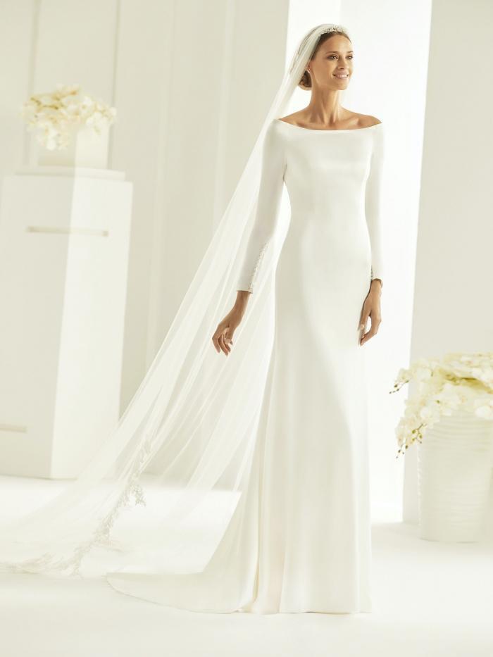 Hochzeitskleid Mit Ubootausschnitt Von Bianco Evento